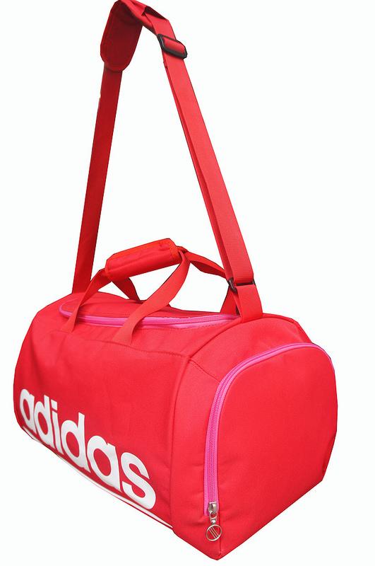 tui-dung-quan-ao-adidas-red-duffel-3