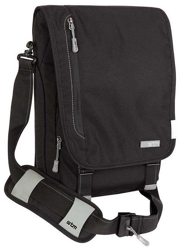 tui-xach-laptop-stm-Linear-Medium-Laptop-Shoulder-Bag-2