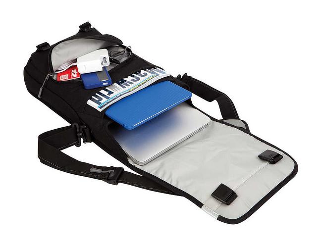 tui-xach-laptop-stm-Linear-Medium-Laptop-Shoulder-Bag-5