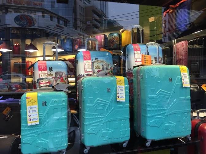 Các kiểu vali kéo mà bạn thường gặp tại shop TPHCM